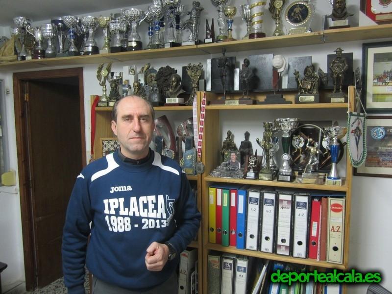 Antonio Pastor: «El balonmano es un deporte poco conocido pero atrae con verdadera pasión»