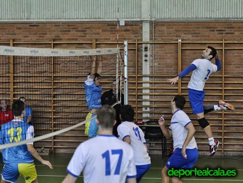 El senior del CV Alcalá gana cómodamente al Coslada Voley por 3-0