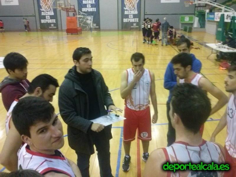 El senior de Juventud Alcalá pierde y se aleja del ascenso