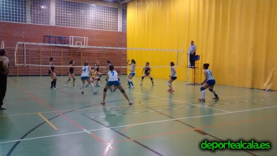 Victoria y tercer puesto para las senior del CV Alcalá