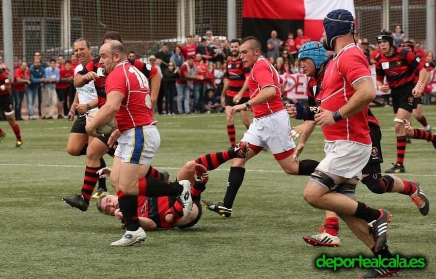 El Rugby Alcalá pasa a semifinales al arrasar a Badajoz