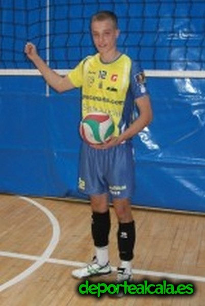 Guillermo Loeches jugará por 2ª temporada en la Superliga