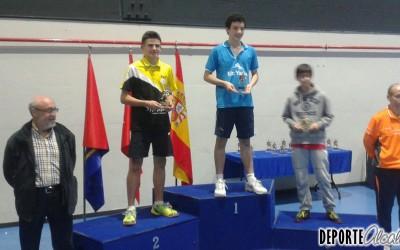 Adrián Stanus del Tenis de Mesa Alcalá se alza con la plata