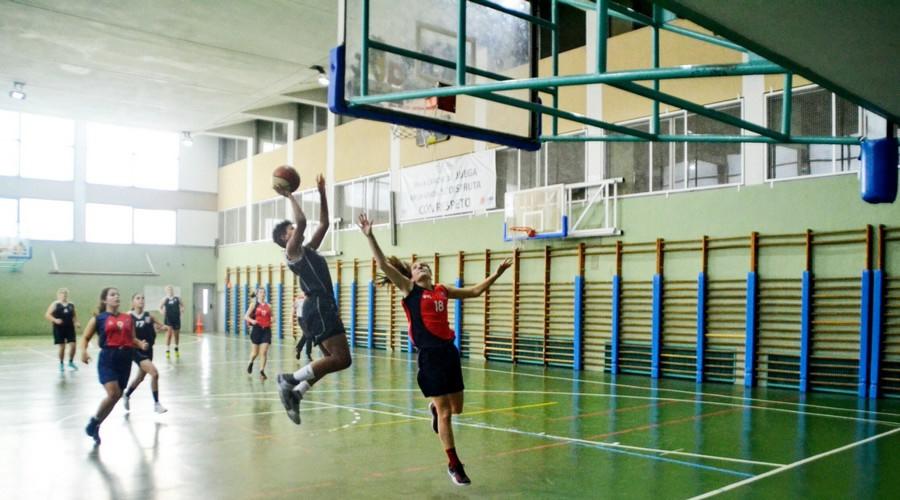 Dura derrota de las Junior de Baloncesto Alcalá ante Valdeluz