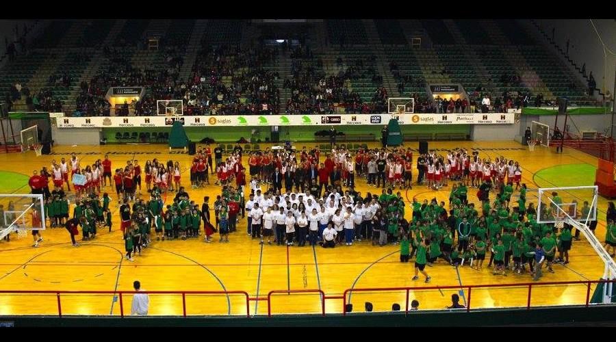 El Juventud Alcalá presenta a sus casi 400 jugadores