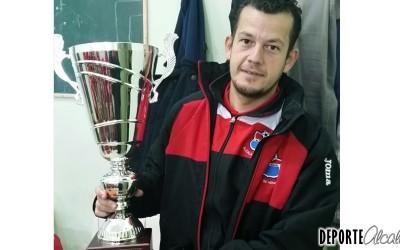 «El objetivo es ascender y luchar por el campeonato»