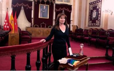 La alcalaína Yolanda Materranz estrena el «Libro de Oro del Deporte» de Alcalá