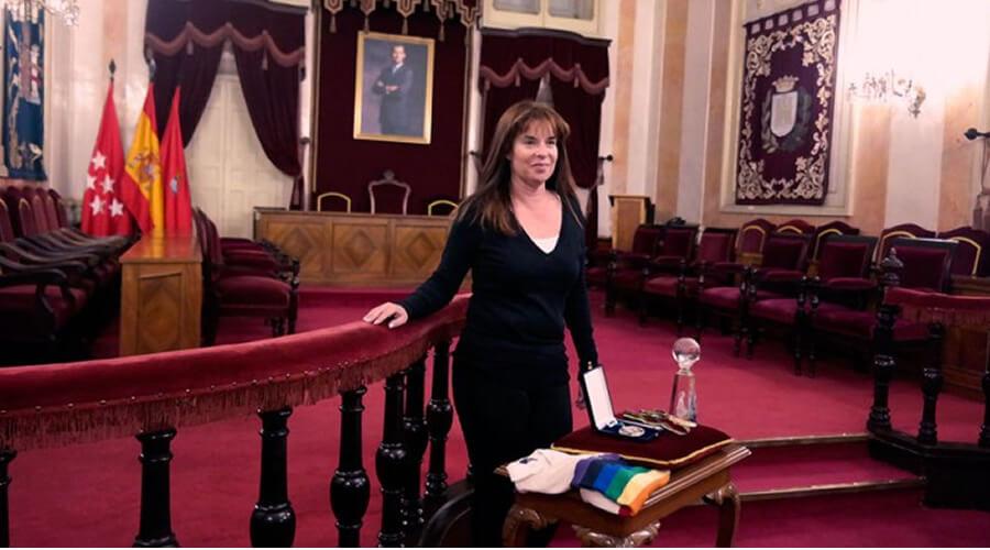 """La alcalaína Yolanda Materranz estrena el """"Libro de Oro del Deporte"""" de Alcalá"""