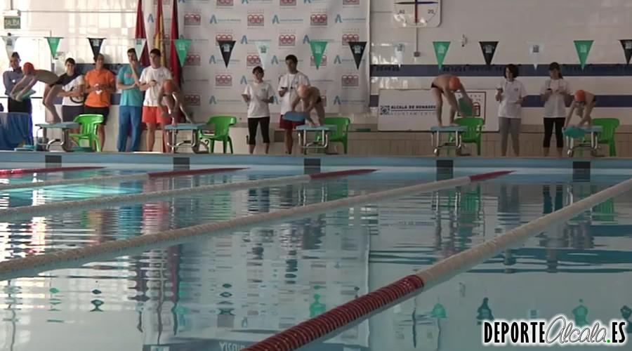La piscina cubierta del Val acoge el inicio de la temporada local de natación