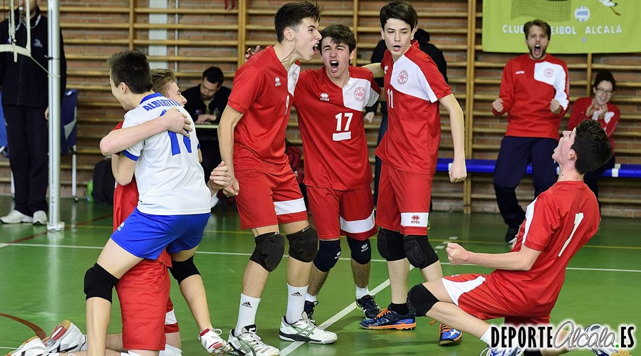 Remontada clave de los cadetes del Voleibol Alcalá